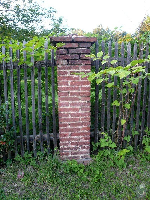 Dostavba 3m kamenné zdi oplocení, oprava 2 cihlových sloupků oplocení.: zed_07-sloupek