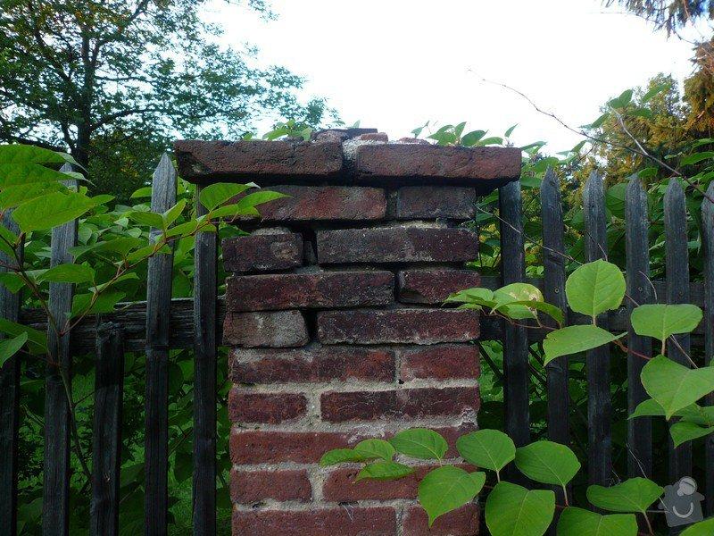 Dostavba 3m kamenné zdi oplocení, oprava 2 cihlových sloupků oplocení.: zed_08-sloupek