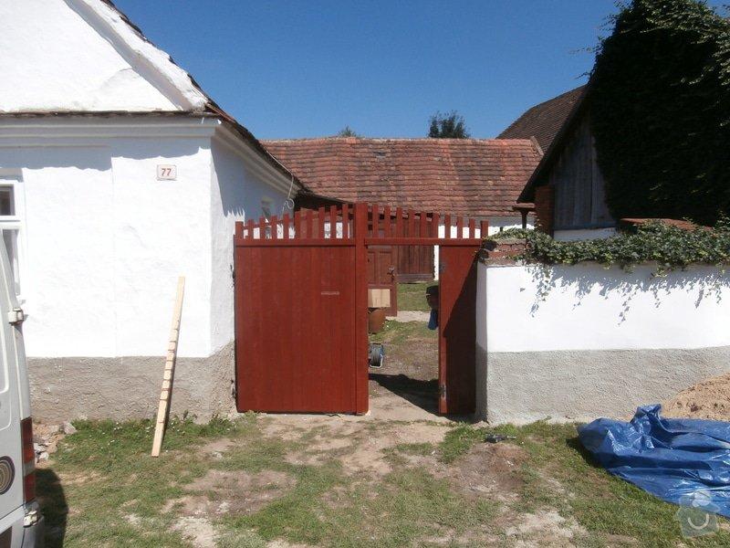 Výroba a usazení dřevěných vrat do dvora: 238