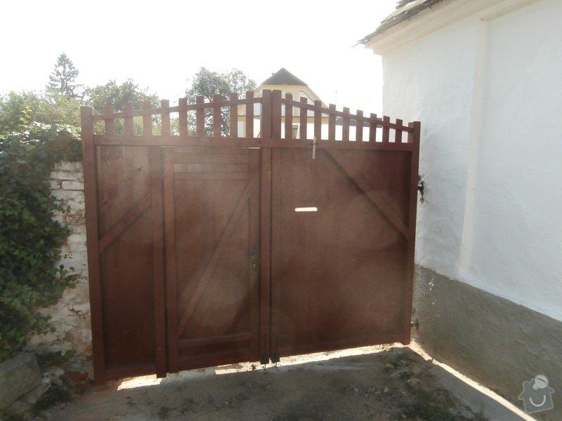 Výroba a usazení dřevěných vrat do dvora: 239