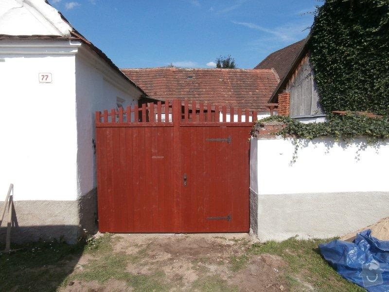 Výroba a usazení dřevěných vrat do dvora: 240