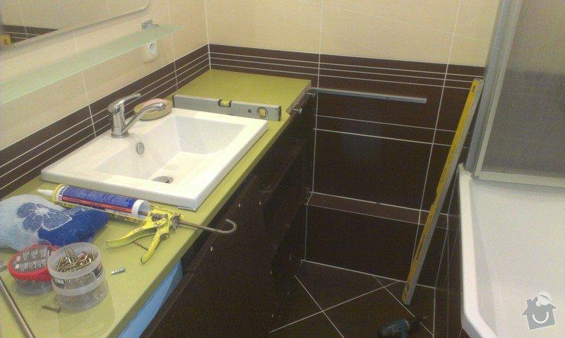 Sestavení a obsilikonování skříněk v koupelně: IMAG2438
