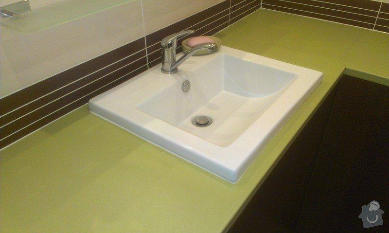 Sestavení a obsilikonování skříněk v koupelně: IMAG2441