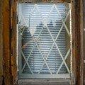 Natreni napusteni bezbarvym luxolem oprava a kytovani 8mi dre okno 05 1