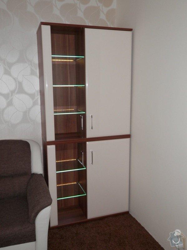 Obývací stěna: P2241219_zmenseny