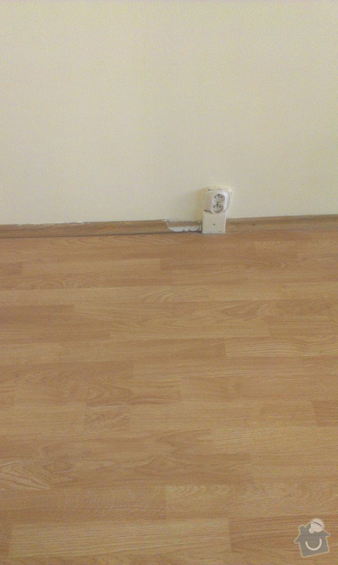 SPECHA! Sadrokarton, polepeni skrine folii, vymena zasuvek, instalace novych podlahovych list: IMAG2489