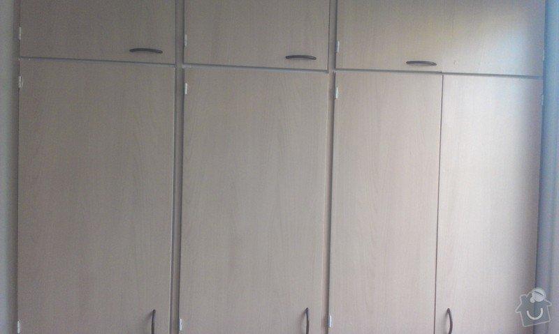 SPECHA! Sadrokarton, polepeni skrine folii, vymena zasuvek, instalace novych podlahovych list: IMAG2525