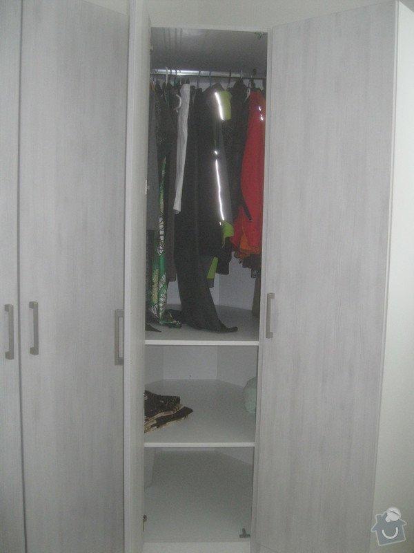 Výroba šatní skříně: 068