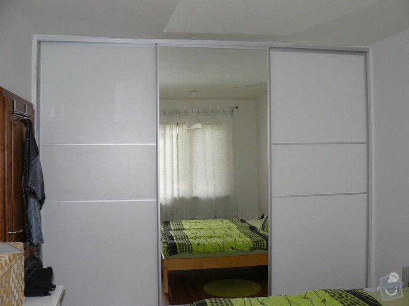 Šatní skříň: P1060020