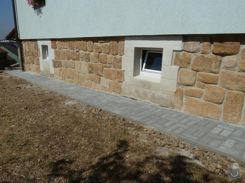Renovace pískovcového soklu u rodinného domu: Hluboka2