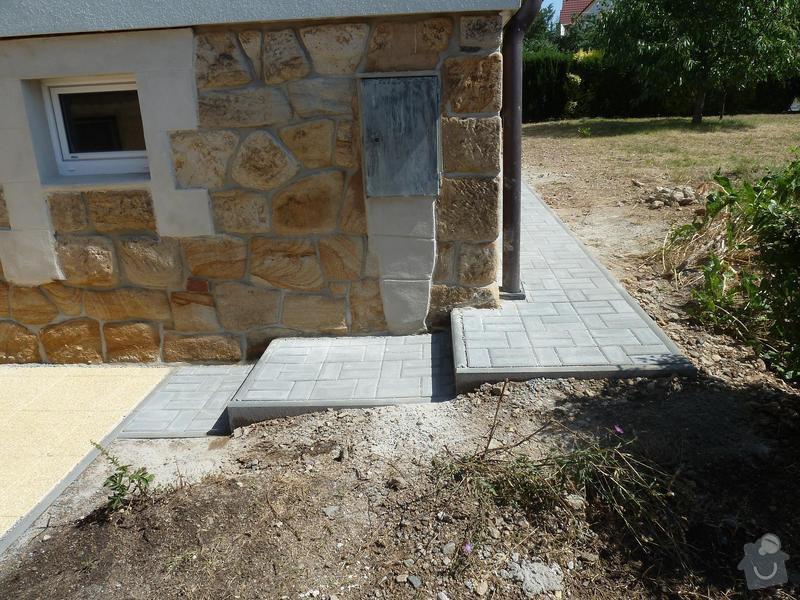 Renovace pískovcového soklu u rodinného domu: Hluboka3