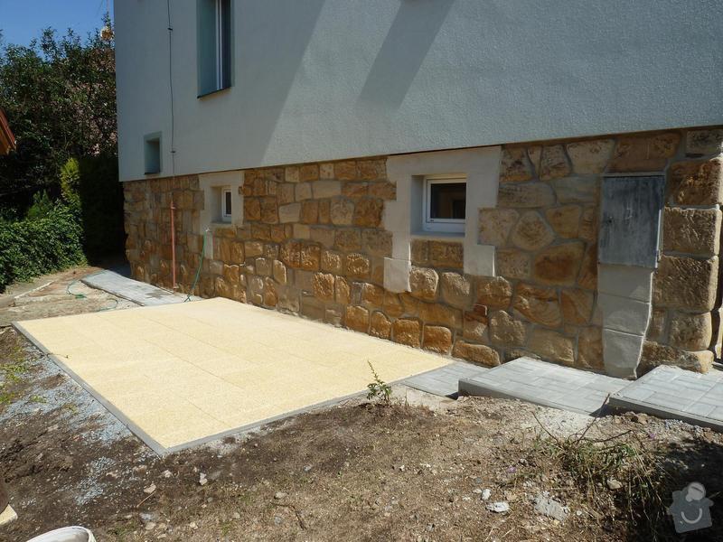 Renovace pískovcového soklu u rodinného domu: Hluboka5