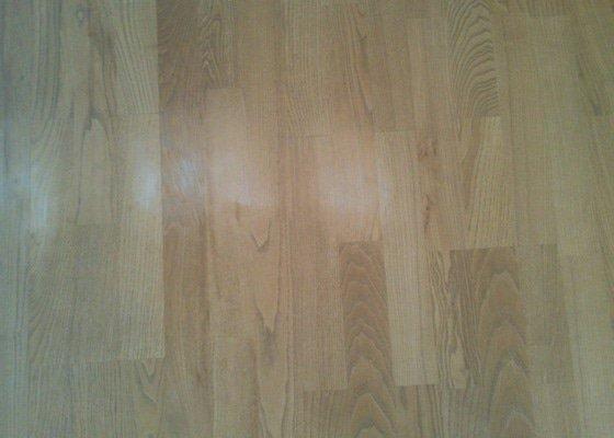 Přebroušení dřevěné podlahy, cca 30m2