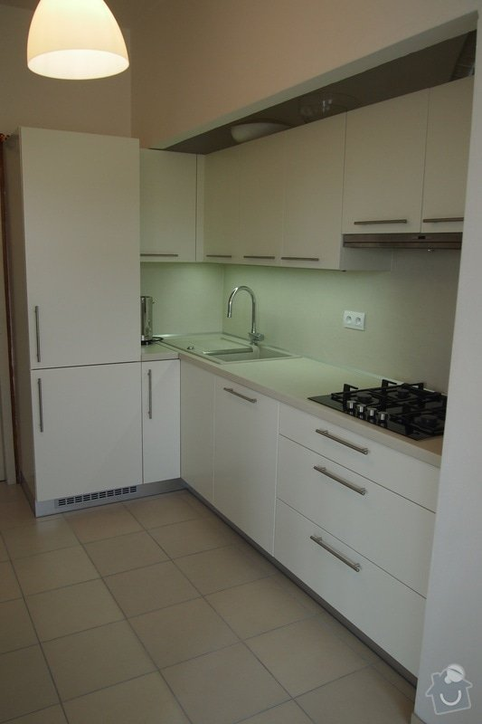 Veškerá příprava pro instalaci kuchyňské linky: P7260736