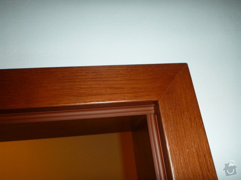 Úprava/změna otevírání dveří: P1010024