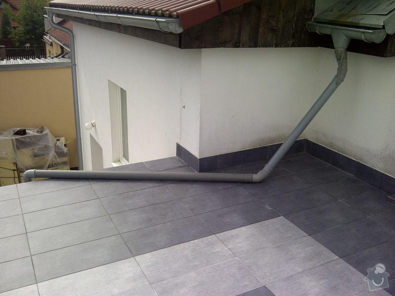 Oprava stávajícího okapu a dodávka nového: Praha-20130828-00107
