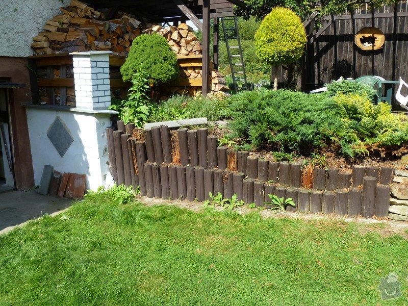 Zbourání stávající zídky(zděná + dřevěná palisáda ) vyhotovení nové opěrné zídky  : P1030406