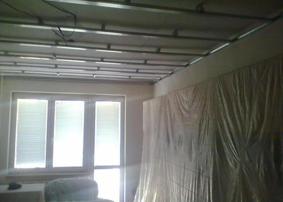 Rekonstrukce Koupelny,Wc ,a snížení stropu v pokoji