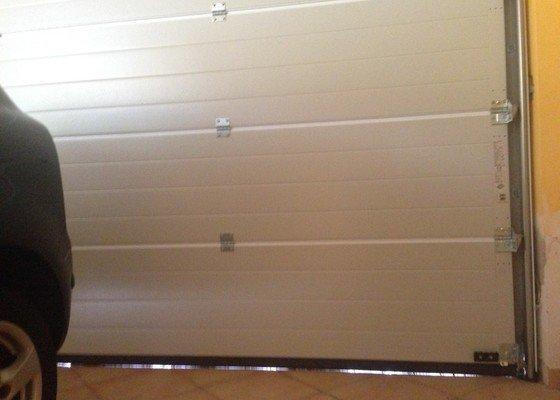 Stavební oprava vjezdu do garáže