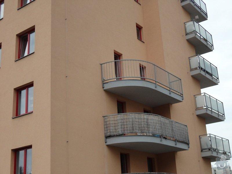 Zastřešení a celkové zasklení balkonu: DSC00663