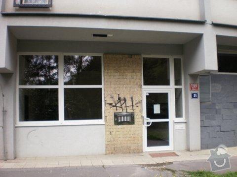 Rekonstrukce vyhořelého bytu 2+kk v Praze 8: Vyhorely_byt_Praha_8_Taussigova_115521_002