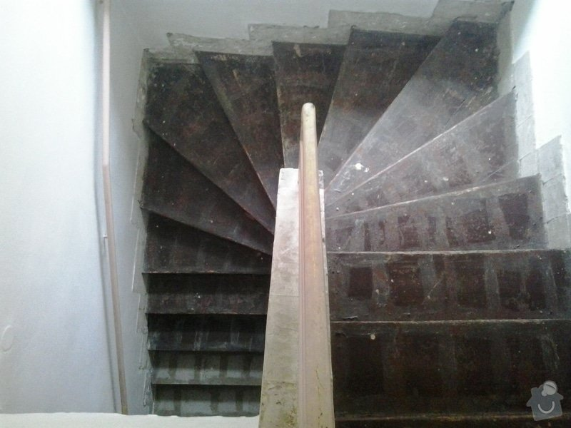 Rekonstrukci pokoje s vyzdívkou a zhotovení betonových schodů: 20130903_083727