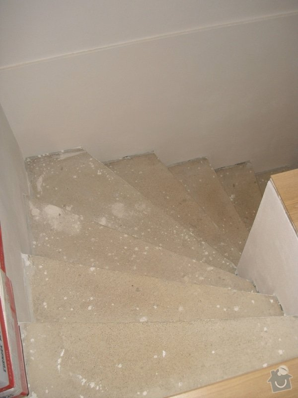 Obložení schodiště dlažbou: CIMG3503