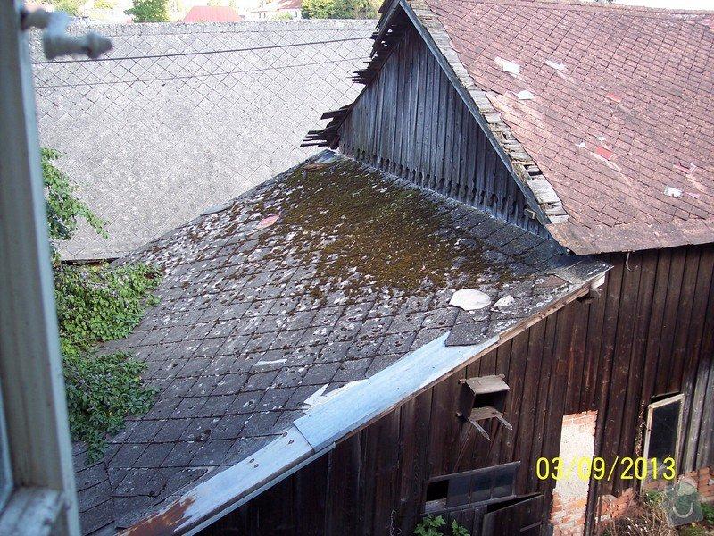 Pokrytí střechy dvou šophospodářských budov bonským šindelem 140m2: 100_5263