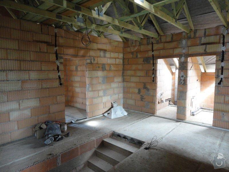 Dokončení střechy a štítů rod.domu ve fázi hrubé stavby: DSC02746