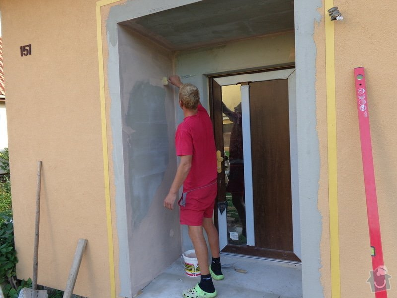Oprava dveří u vchodu RD: 026