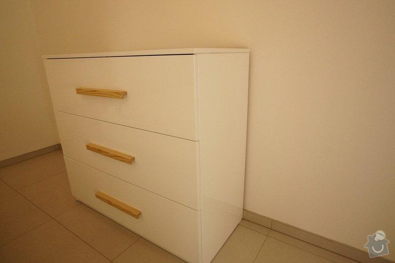 Ložnice a jídelní stůl: DSC05850