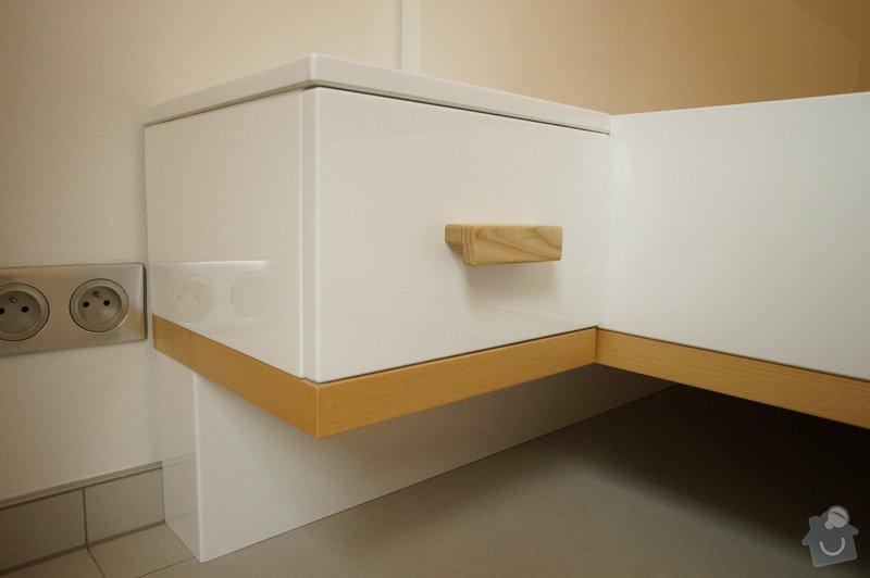 Ložnice a jídelní stůl: DSC05853