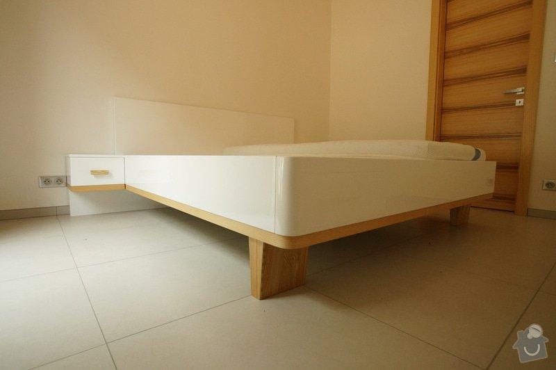 Ložnice a jídelní stůl: DSC05858