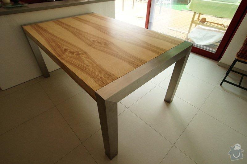 Ložnice a jídelní stůl: DSC05861