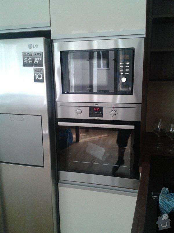 Celková rekonstrukce bytu + kuchyňská linka, vestavěné skříně, zakázk. nábytek: 20130904_151314
