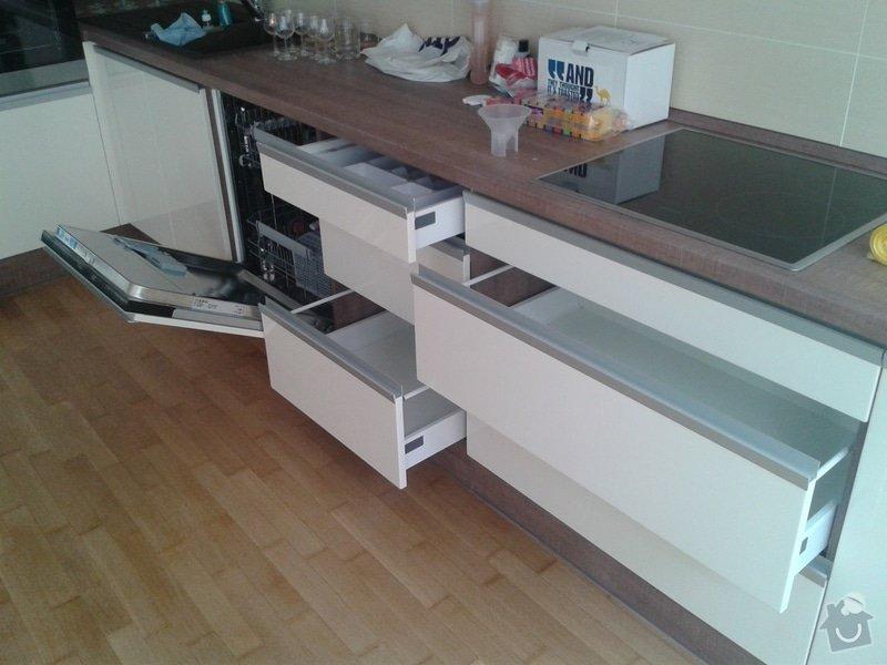 Celková rekonstrukce bytu + kuchyňská linka, vestavěné skříně, zakázk. nábytek: 20130904_151330