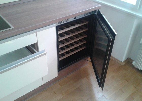 Celková rekonstrukce bytu + kuchyňská linka, vestavěné skříně, zakázk. nábytek