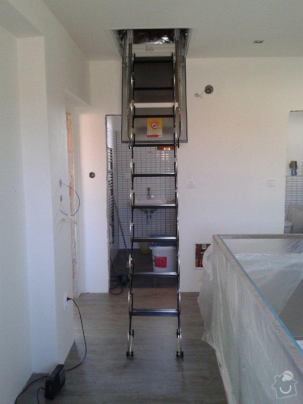 Rekonstrukce podkroví: montaz-pudniho-vylezu_Vylez1