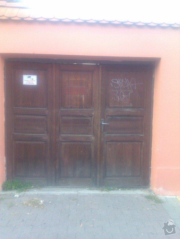 Repase dřevěných vrat: vrata_z_ulice_2