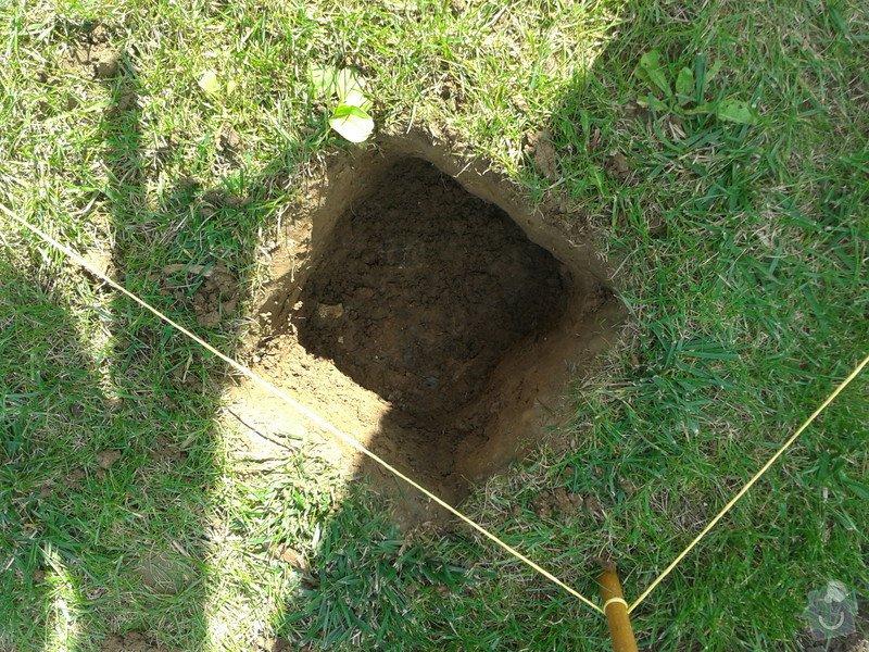 Podlazka a ukotveni pro zahradni domek: Pracovni_074