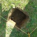Podlazka a ukotveni pro zahradni domek pracovni 074