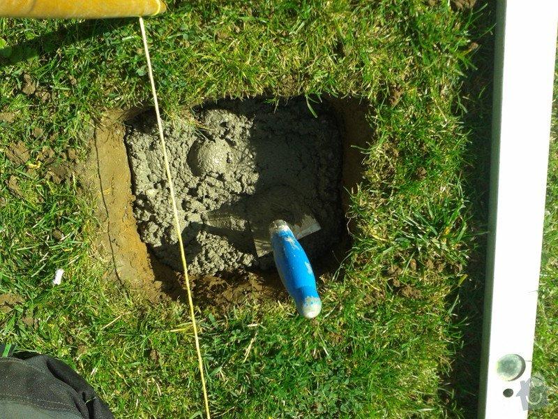 Podlazka a ukotveni pro zahradni domek: Pracovni_076