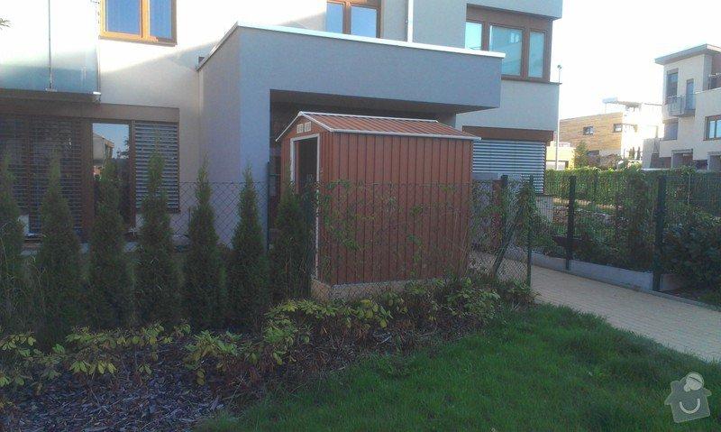 Podlazka a ukotveni pro zahradni domek: IMAG2678