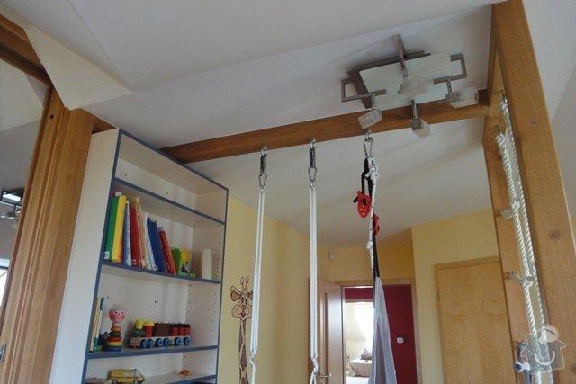Nábytek do dětského pokoje: hrazda_knihovna_pohled_b