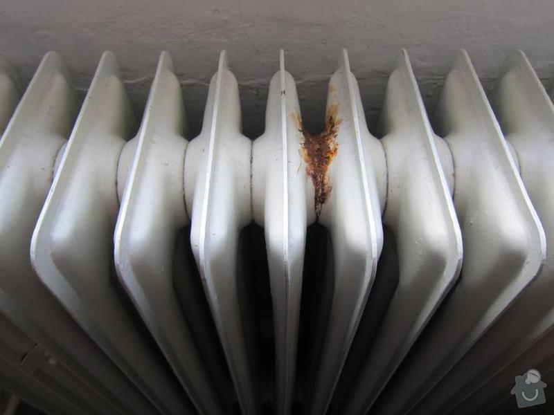 Oprava otopné soustavy - výměna 6 ks plechových článkových radiátorů : ut_001a