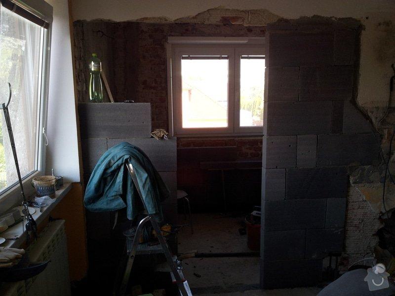Obložení koupely, WC, prostoru mezi kuchyňskou linkou: 20130814_092736