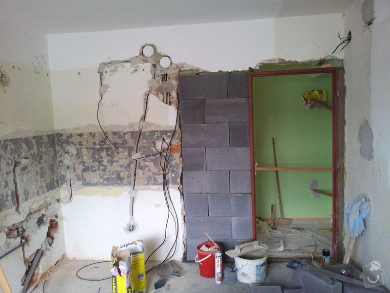 Obložení koupely, WC, prostoru mezi kuchyňskou linkou: 20130814_160600