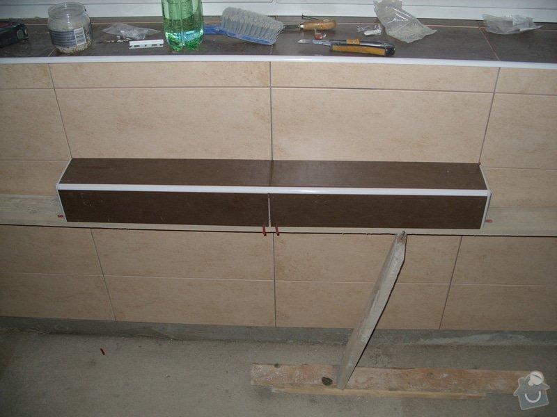 Obložení koupely, WC, prostoru mezi kuchyňskou linkou: SS856832