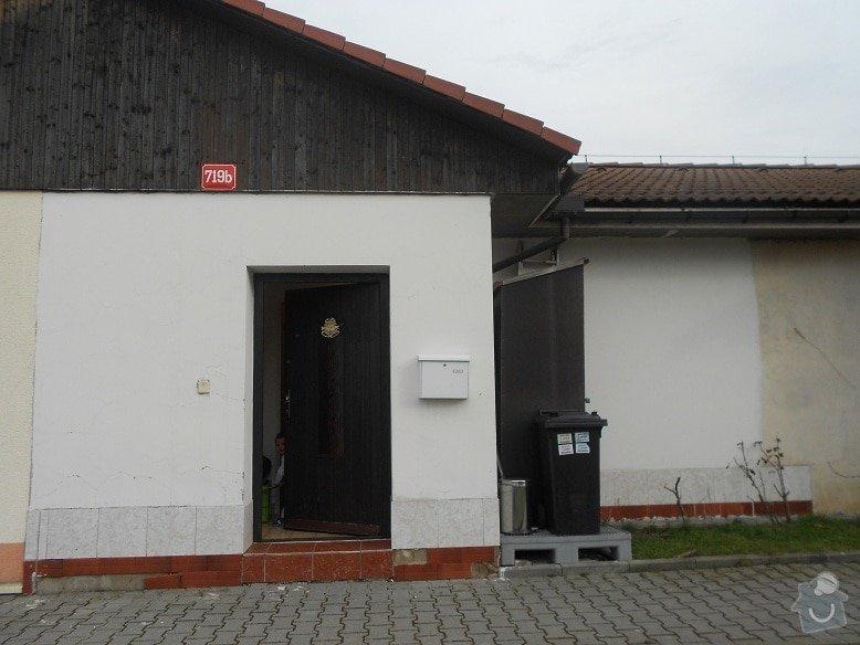 Montáž stříšky nad vchodové dveře: dum-vchod