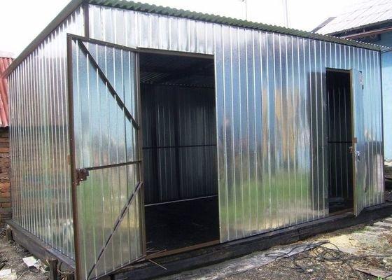 Plechový zahradní domek